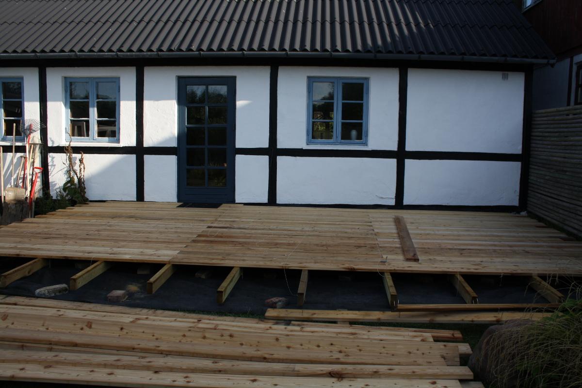 Terrasse næsten færdig